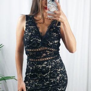 nastistyle-nasti-abbigliamentodonna-negozioonline-shoponline-vestitoskinny-pizzonero-floreale-elegante-nero