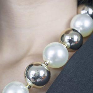 collana-nastistyle-perle-bianche-abbigliamentoonline-shoponline-donna