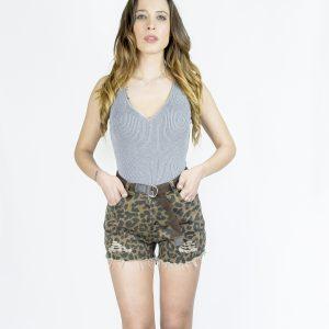 nastistyle-nasti-abbigliamentoonline-abbigliamentodonna-negozioonline-shoponline-body-grigio-pantaloncino-short-leopardato-marrone-khaki-cintura-cargo-elastico-sandalicontacco