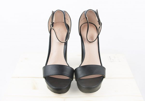 nastistyle-nasti-abbigliamentodonna-negozioonline-shoponline-scarpe-sandali-sandalonero-nero-beige-sandalicontacco-tacco